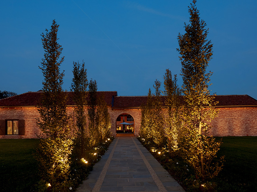 Cascina Ranverso, Buttigliera Alta, Турин, Италия. Susanna Antico Lighting Design Studio