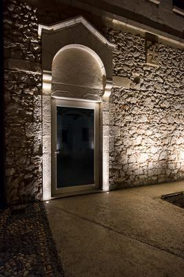 Bright 2.4, 3000K, 7W, 11°, stainless steel. Castello Tafuri Charming Suites, Portopalo di Capo Passero, Syracuse, Italy. Project by arch. Fernanda Cantone, light planning by Light Style
