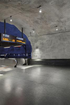 Kleo 2.1, 4000K, 20W, 64°, blanc. Central Metro Station, Stockholm, Suède. Light planning by WSP ljusdesign