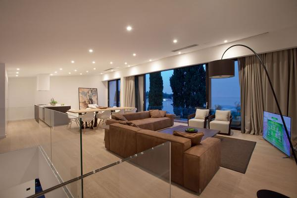 Turis 1.0, 3000K, 11W, blanc. Villa Elena, Poreč, Croatie. Light planning by Leumax Lighting solutions