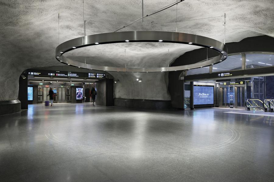 Central Metro Station 01