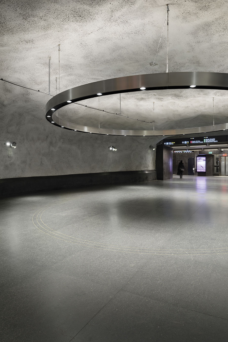 Central Metro Station 04